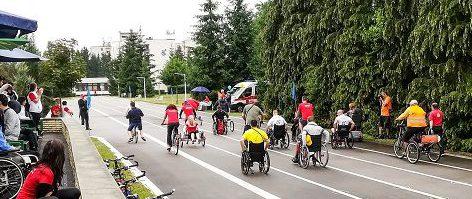 Jazda na bicykloch a vozíčkoch okolo NRC