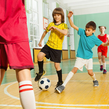 deti-hraju-futbal